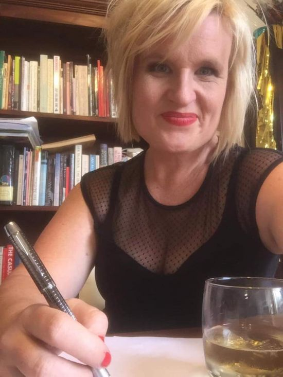 Mandy Beaumont signs with Hachette